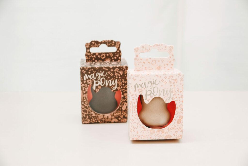 Trisa Magic Pony braun und blond mit Verpackung für den perfekten Ponytail